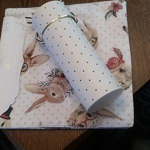 Polka dot place mats and wine gift box